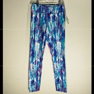 Girl Workout Legging***Feather Print**Youth 12 $89
